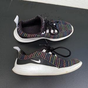 Nike Black girls sneakers size 13.5 girls youth
